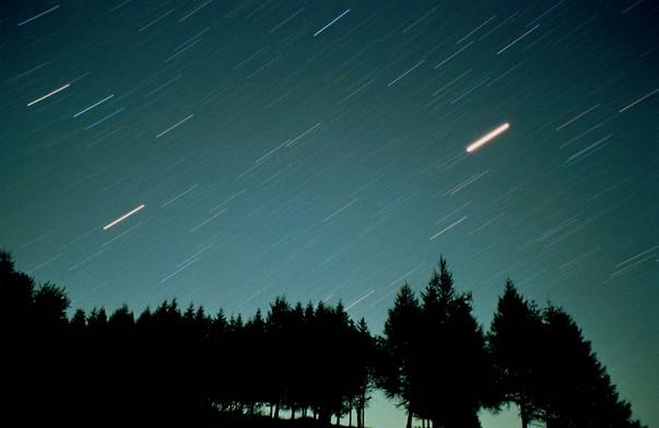 Pioggia-di-meteore-Eclisse-di-Luna-Astronomia-Sardecentroricerca