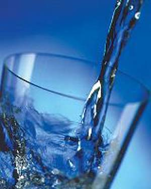 acqua-bicchiere-773201