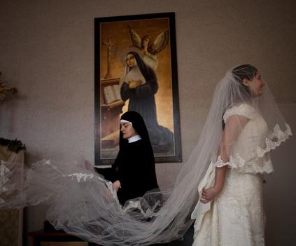 Abiti-sposa-monastero-Santa-Rita-da-Cascia