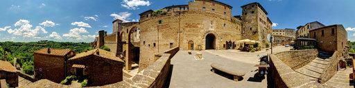 pitigliano-piazza-francesco-petruccioli-tuscany