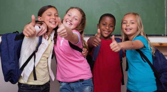 bambini_felici_scuola_educazione_positiva