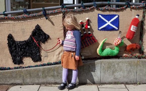 grandmother-yarn-bomb-uk-souter-stormers-knitting-104-year-old-grace-brett-4