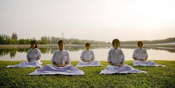 bambini_meditazione_thailandia